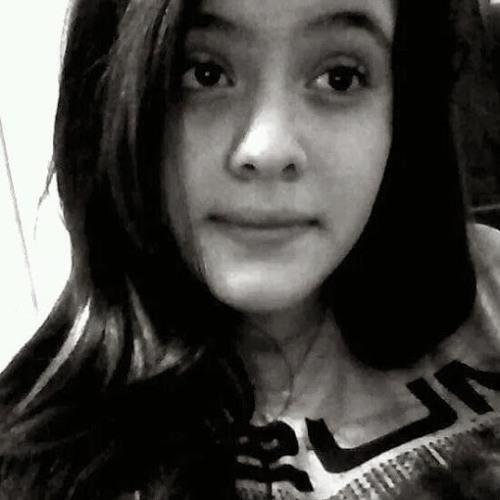 Uara Antunes's avatar