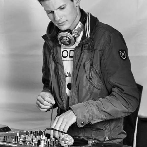DJ Jardinero's avatar