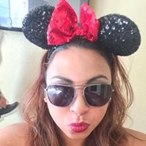 Caroline Mireles's avatar