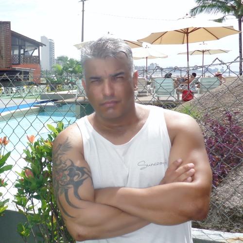 luciano444's avatar