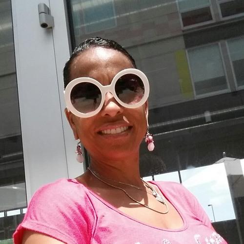 m2monique's avatar