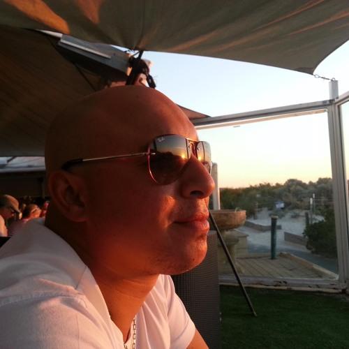 Ruben Javier.'s avatar