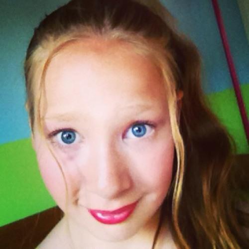 Amber Collins 16's avatar
