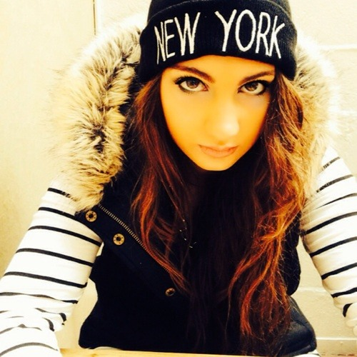 Nikki Crisp's avatar