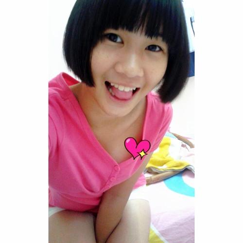celineeeee.'s avatar