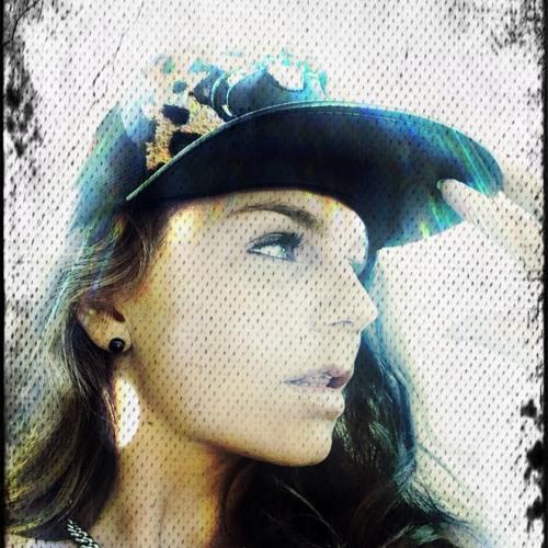 Aeniee Housewife's avatar
