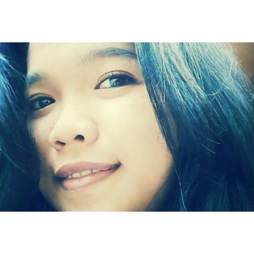 VeronicaHia's avatar