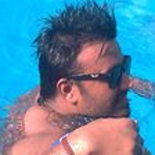 Romi Agrawal's avatar