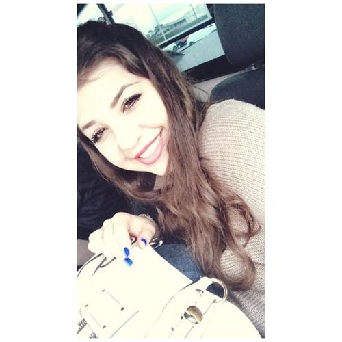 Eloana Kamilyn's avatar