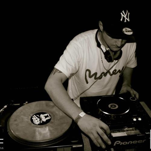 dj nicky twist's avatar