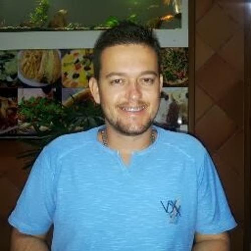 Ricardo Honorato Guss's avatar
