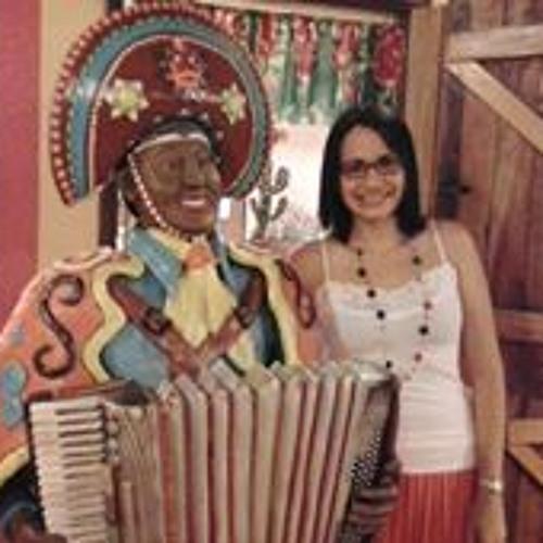 Mariana Lima 140's avatar