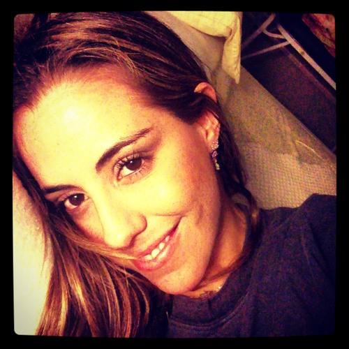 Angie Molla's avatar
