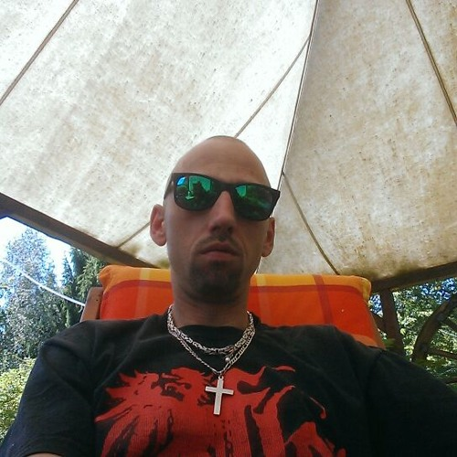 Michael Schulze 25's avatar
