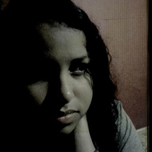 Jullyana Martins's avatar