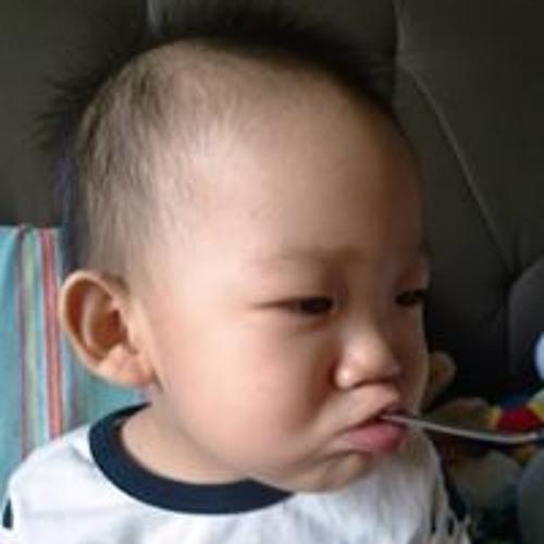 Dan Yee Yat Mun's avatar