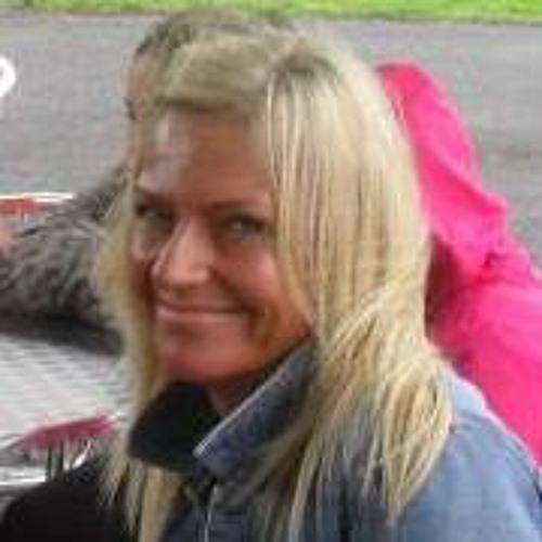 Lorraine Ashworth's avatar