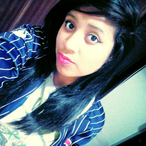 Lara Araújo's avatar