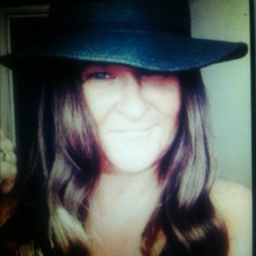 hazel littlemore's avatar