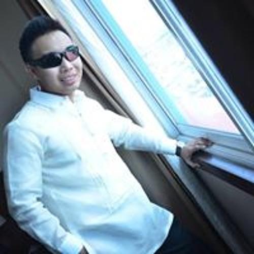 Mackie-Mie Chua's avatar