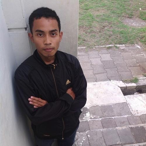 AnandaDwi_R's avatar