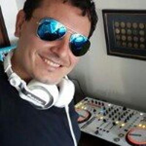 Carlos Collazos 1's avatar