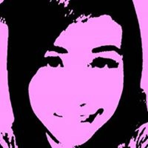 Monique Ranuzbo's avatar