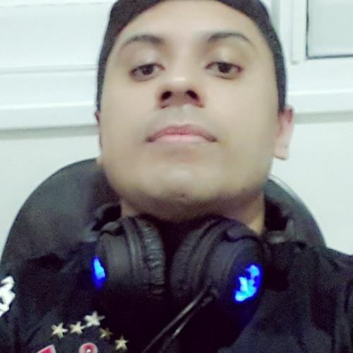 Renan Figueiredo's avatar