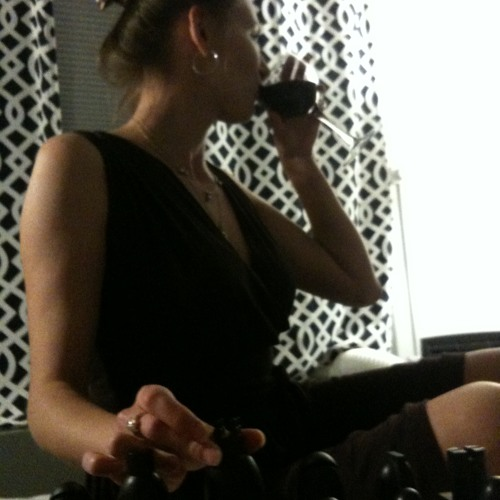 Julia Vanda's avatar