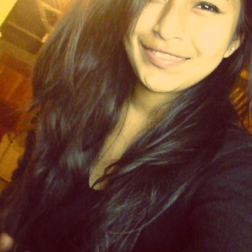 Yaninna Velarde Condori's avatar
