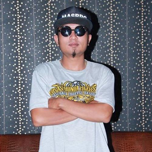 Nanang Lizhard's avatar