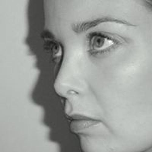 Marisca Kim's avatar