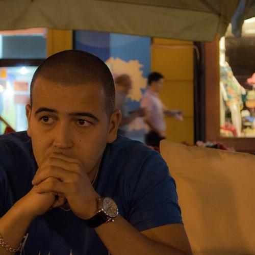 Alecs L.'s avatar