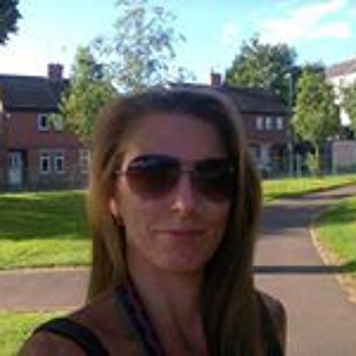 Sally White 11's avatar