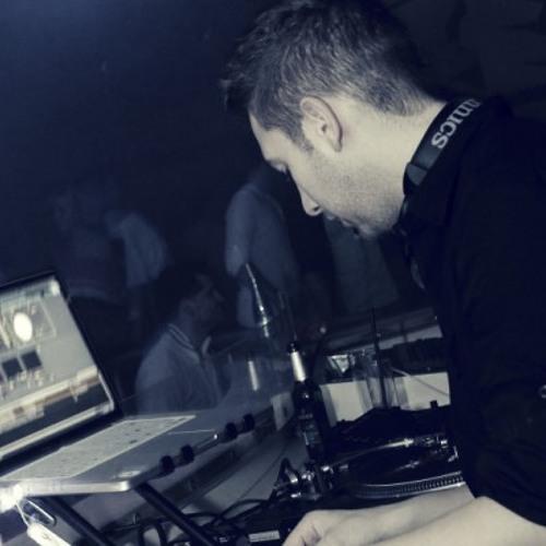 DJ Sompoo's avatar