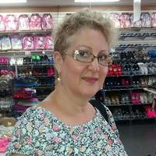Estelle Cuevas's avatar