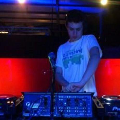 DJ NIEVEXX's avatar