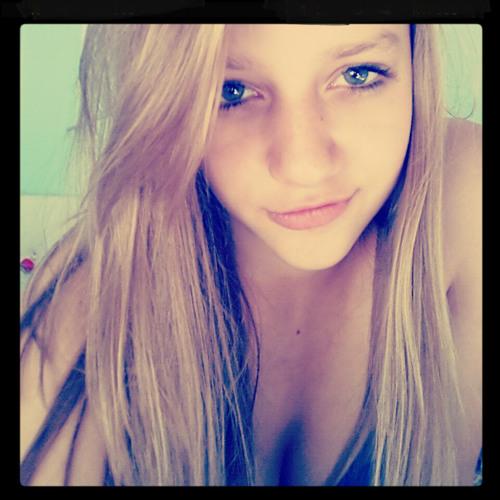 Ann Ika 16's avatar