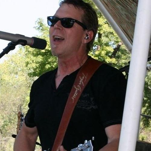 Aaron MacMillan's avatar