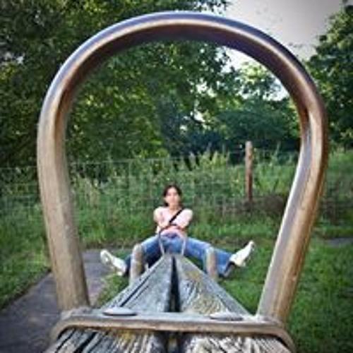 Julia Sanchez-Simon's avatar
