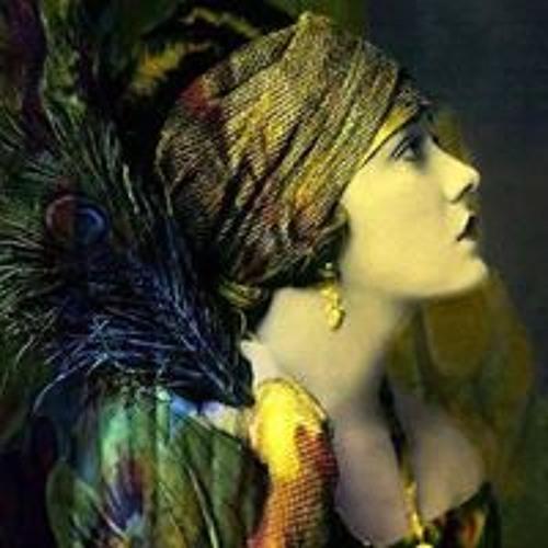 Izabella Reyngold's avatar