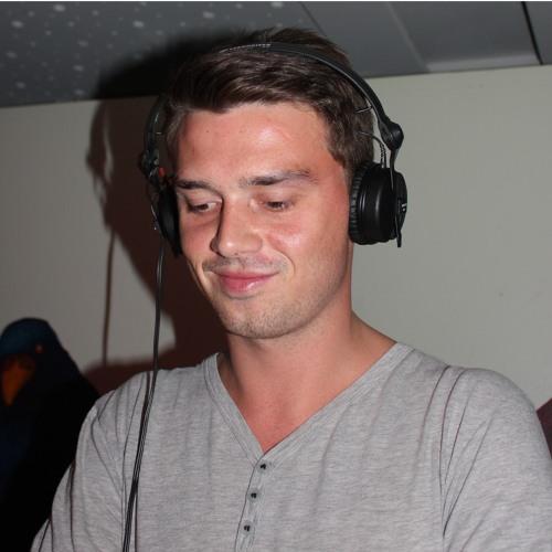 Manbert's avatar
