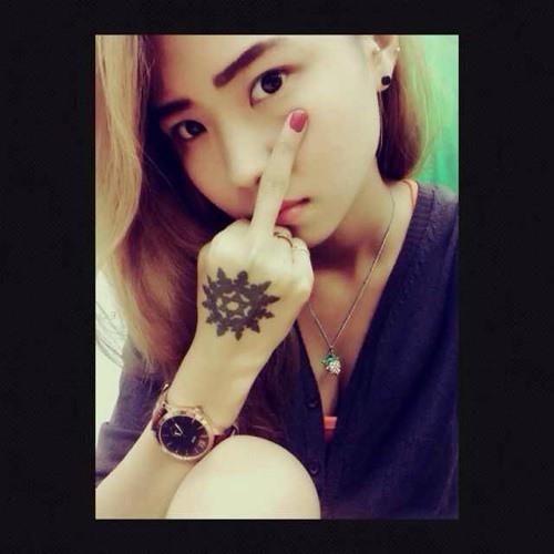 Lily_Tay's avatar