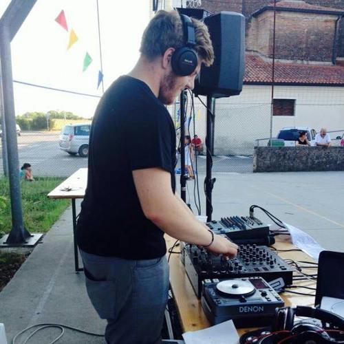 DJ MeMe's avatar