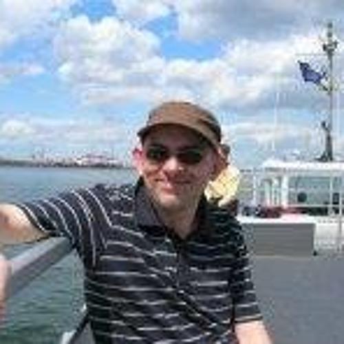 Tom Francis 11's avatar