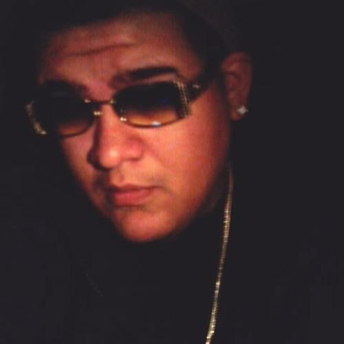KINGLu's avatar
