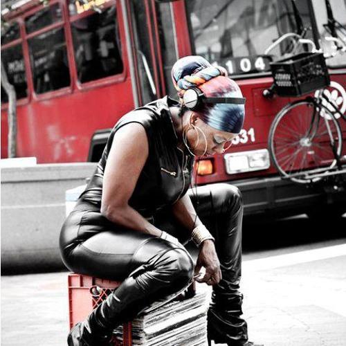 DJ Niecy D's avatar