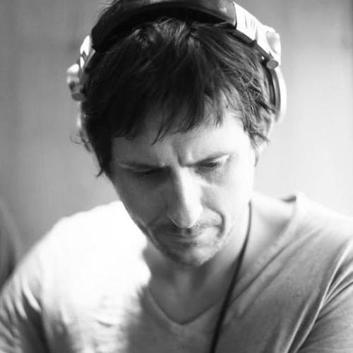 Darren Lee Fenton's avatar