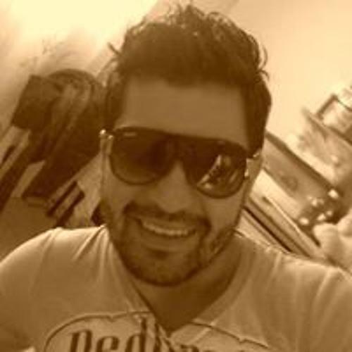 Martín Alvarado 31's avatar