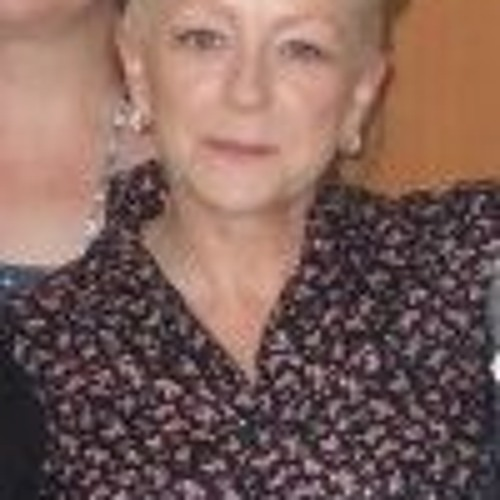 Helen Leahy 3's avatar